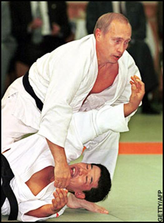 Putin e il judo: Vladimir è chiaramente sull'orlo dello sbadiglio