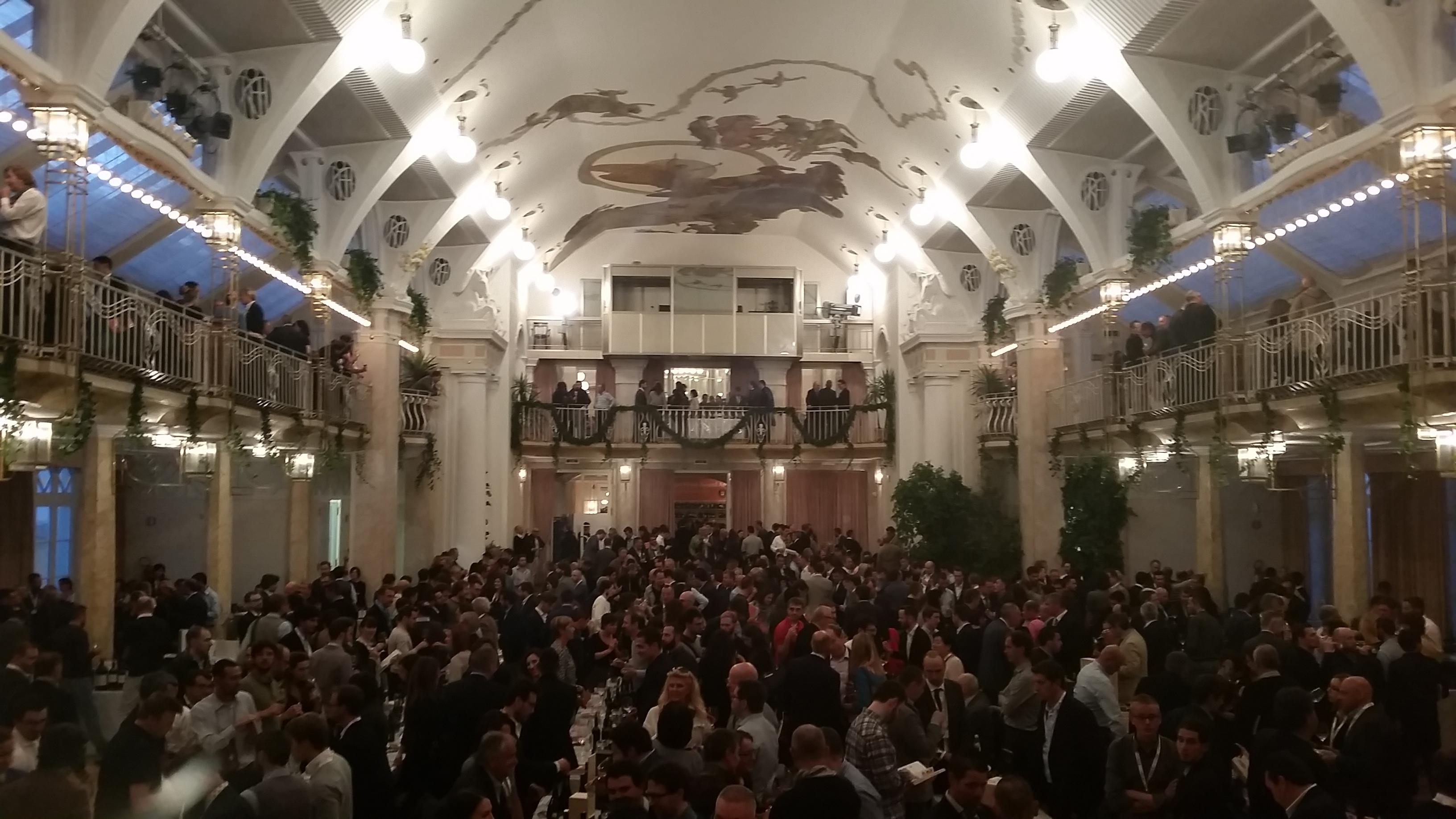 La sala del festival di Merano durante la serata di degustazione di venerdì